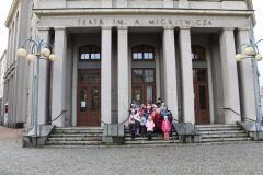 Wizyta klas I-III w teatrze w Częstochowie